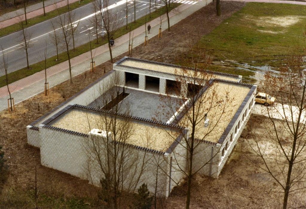 afb. 2 Vogelvlucht van het in 1982 gebouwde Huis Naalden te Best (foto: Jos Naalden)